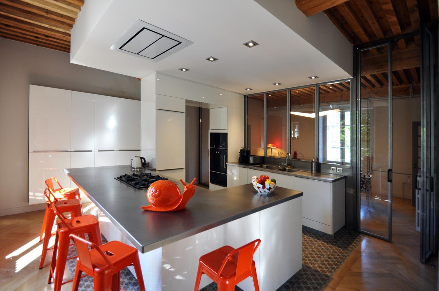 rbmr. Black Bedroom Furniture Sets. Home Design Ideas